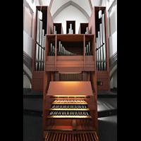 Mönchengladbach, Citykirche (Positiv), Rückpositiv mit Spieltisch (beleuchtet) und Orgel