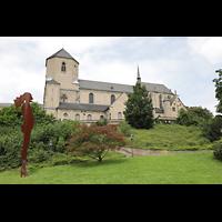Mönchengladbach, Münster St. Vitus (Hauptorgel), Außenansicht mit Skluptur