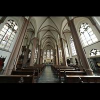Willich - Anrath, St. Johannes Baptist, Innenraum in Richtung Chor mit Gewölbe