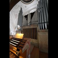 Weilheim, Mariae Himmelfahrt, Spieltisch und Orgel