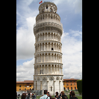 Pisa, Duomo di Santa Maria Assunta (Hauptorgel), Schiefer Turm, hier die 'gerade' Ansicht