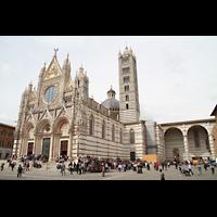 Siena, Cattedrale, Außenansicht; rechts das unvollendete geplante Hauptschiff