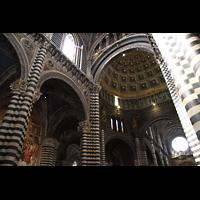 Siena, Cattedrale, Innenraum mit Blick in die Kuppel