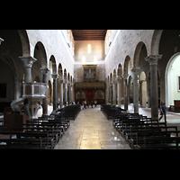Lucca, Basilica di San Frediano, Innenraum / Hauptschiff in Richtung Orgel