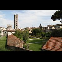 Lucca, Basilica di San Frediano, Außenansicht auf den Chor und Turm