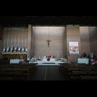 Bologna, S. Giovanni Bosco, Innenraum / Hauptschiff in Richtung Chor