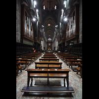 Milano (Mailand), Duomo di Santa Maria Nascente, Blick vom Chorraum auf die Hauptorgel und ins Hauptschiff