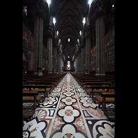 Milano (Mailand), Duomo di Santa Maria Nascente, Hautpschiff in Richtung Chor