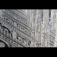 Milano (Mailand), Duomo di Santa Maria Nascente, Strebepfeiler und Fialen des nördlichen Seitenschiffs