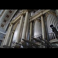 Esztergom (Gran), Bazilika Nagyboldogasszony és Szent Adalbert Föszékesegyház (St. Adalbert Basilika), Orgelprospekt mit Chamaden