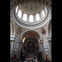 Esztergom (Gran), Bazilika Nagyboldogasszony és Szent Adalbert Föszékesegyház (St. Adalbert Basilika), Chor und Kuppel