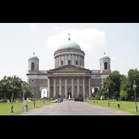 Esztergom (Gran), Bazilika Nagyboldogasszony és Szent Adalbert Föszékesegyház (St. Adalbert Basilika), Außenansicht von vorne