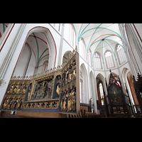 Schwerin, Dom St. Maria und St. Johannes, Chorraum mit Altar und Hochaltar