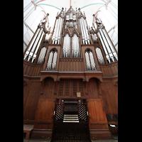 Schwerin, Dom St. Maria und St. Johannes, Spieltisch und Orgel
