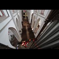 Schwerin, Dom St. Maria und St. Johannes, Blick entlang der großen Hauptwerkspfeifen auf die Orgelempore und ins Hauptschiff