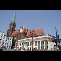 Schwerin, Dom St. Maria und St. Johannes, Gesamtansicht vom Marktplatz aus