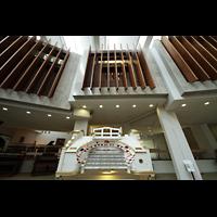 Berlin (Tiergarten), Musikinstrumenten-Museum - Gray-Orgel, Wurlitzer-Orgel, Spieltisch und Schallkammern
