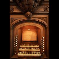 Berlin (Tiergarten), Musikinstrumenten-Museum - Gray-Orgel, Spieltisch der Gray-Orgel