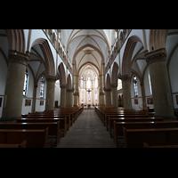 Dortmund (Hörde), Stiftskirche St. Clara, Hauptschiff / Innenraum in Richtung Chor