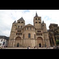 Trier, Dom St. Peter (Kryptaorgel), Fassade