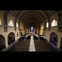 Saarbrücken, St. Michael, Innenraum von der Orgelempore aus