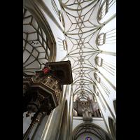 Augsburg, St. Ulrich und Afra, Kanzel mit Blick ins Deckengewölbe