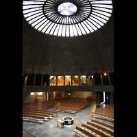 Augsburg, St. Don Bosco, Blick vom Emporenumgang zur Orgel