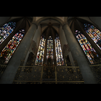 Augsburg, Dom St. Maria (Langhausorgel), Bunte Fenster mit Glasmalerei aus dem späten 15. Jh. im Ostchor