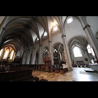 Augsburg, Dom St. Maria (Langhausorgel), Hauptschiff in Richtung Westchor mit Langhausorgel