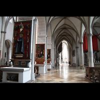 Augsburg, Dom St. Maria (Langhausorgel), Südliches Seitenschiff in Richtung Ostchor