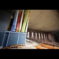 Augsburg - Lechhausen, St. Elisabeth, Orgelempore und Kirche