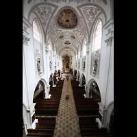Landsberg, Stadtpfarrkirche Mariä-Himmelfahrt, Blick von der Orgelempore ins Hauptschiff