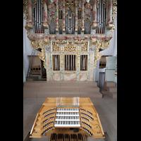 Landsberg, Stadtpfarrkirche Mariä-Himmelfahrt, Spieltisch und Orgel