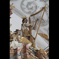 Landsberg, Stadtpfarrkirche Mariä-Himmelfahrt, König David als Figur auf dem Orgeldach