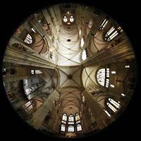 Regensburg, Dom St. Peter, Gesamtansicht innen von unterhalb der Vierung aus