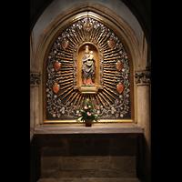 Regensburg, Dom St. Peter, Seitenaltar mit Maria und Jesus