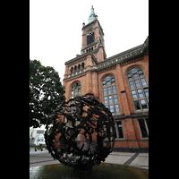 Düsseldorf, Johanneskirche, Brunnen vor der Johanneskirche