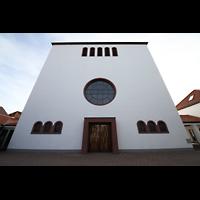 Detmold, Heiig-Kreuz-Kirche, Fassade
