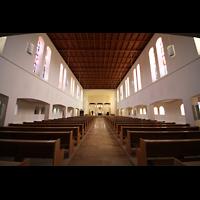 Detmold, Heiig-Kreuz-Kirche, Innenraum in Richtung Chor