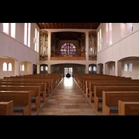 Detmold, Heiig-Kreuz-Kirche, Innenraum in Richtung Orgel