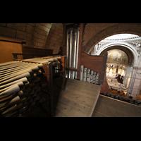 Paris, Basilique du Sacré-Coeur (Hauptorgel), Chamaden linksseitig auf dem Orgeldach