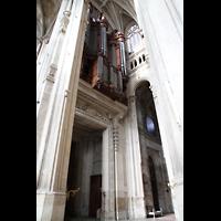 Paris, Saint-Eustache, Hauptportal und Orgelempore von der Seite