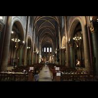 Paris, Saint-Germain des Prés, Hauptschiff in Richtung Chor