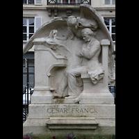 Paris, Sainte-Clotilde, César Franck-Denkmal vor der Kirche