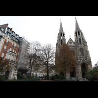 Paris, Sainte-Clotilde, Platz vor der Kirche mit César-Franck-Denkmal
