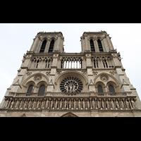 Paris, Cathédrale Notre-Dame (Hauptorgel), Massive Türme mit Orbanemtik und Fensterrosette