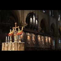Paris, Cathédrale Notre-Dame (Hauptorgel), Chororgel und Chorgestühl mit Altar im Vordergrund