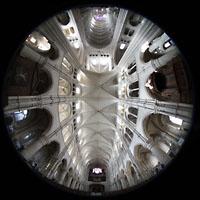 Laon, Cathédrale Notre-Dame, Gesamter Innenraum und Gewölbe