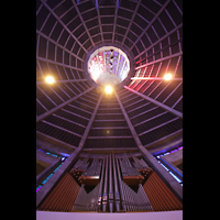 Liverpool, Metropolitan Cathedral of Christ the King, Orgel und Kuppel