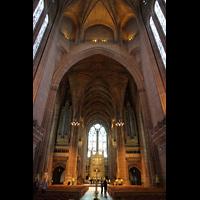 Liverpool, Anglican Cathedral (Hauptorgelanlage), Zentralraum unter der Kuppel mit Orgel